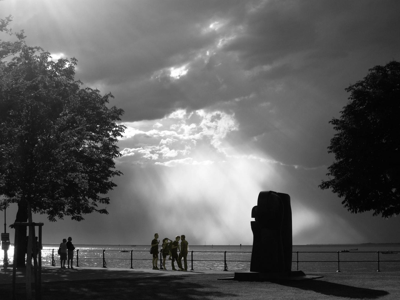 Promenade in Bregenz kurz vor dem großen Sturm