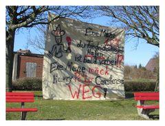 Protestplakat gegen Hafenschließung in Friedrichskoog