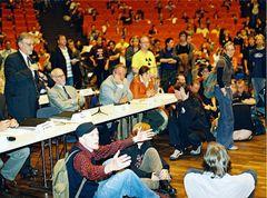 Protestsitzen - veröffentlicht in WAZ-Bochum