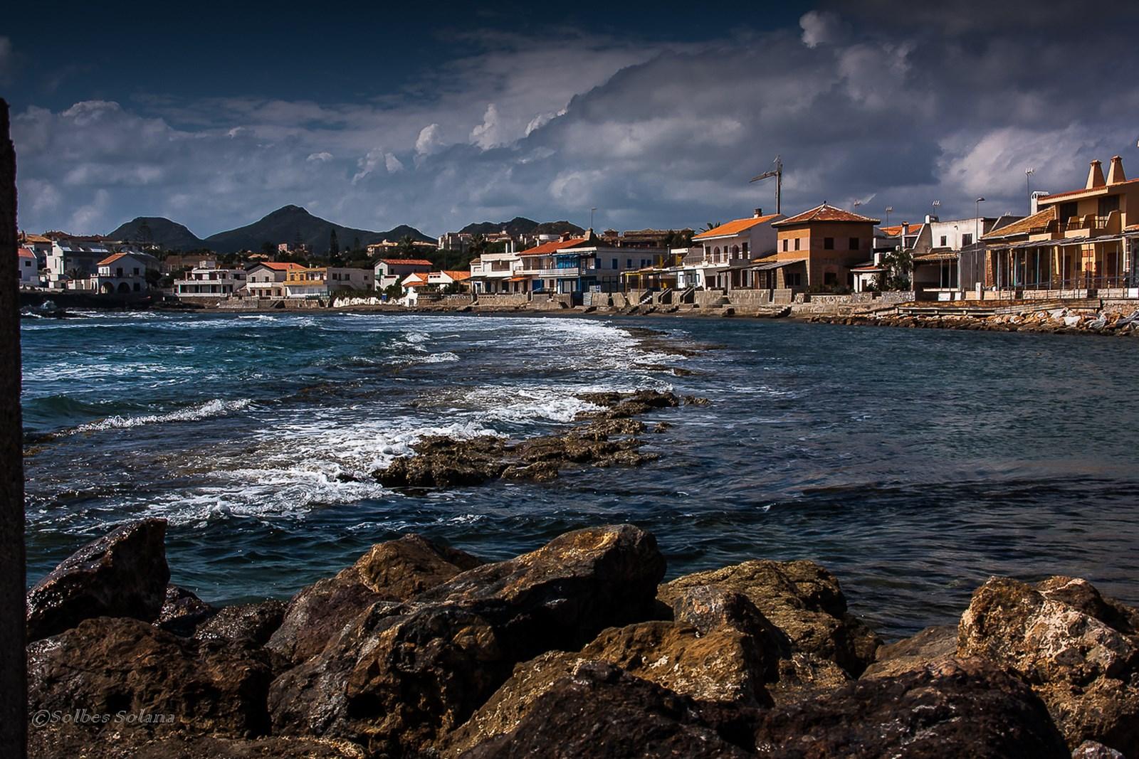 Pueblo pesquero a orillas del Mediterráneo