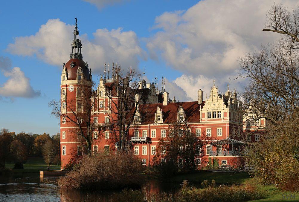 Pückler-Schloss Bad Muskau im gleichnamigen Park Foto