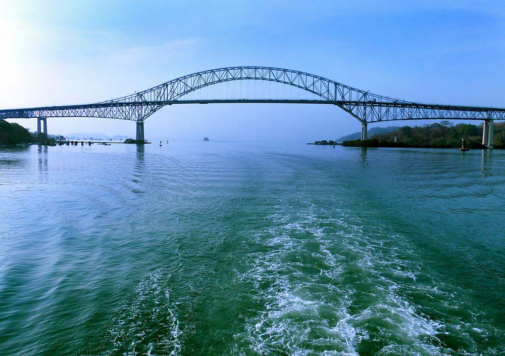 Puente de las América