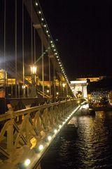 Puente de Las Cadenas Nocturna