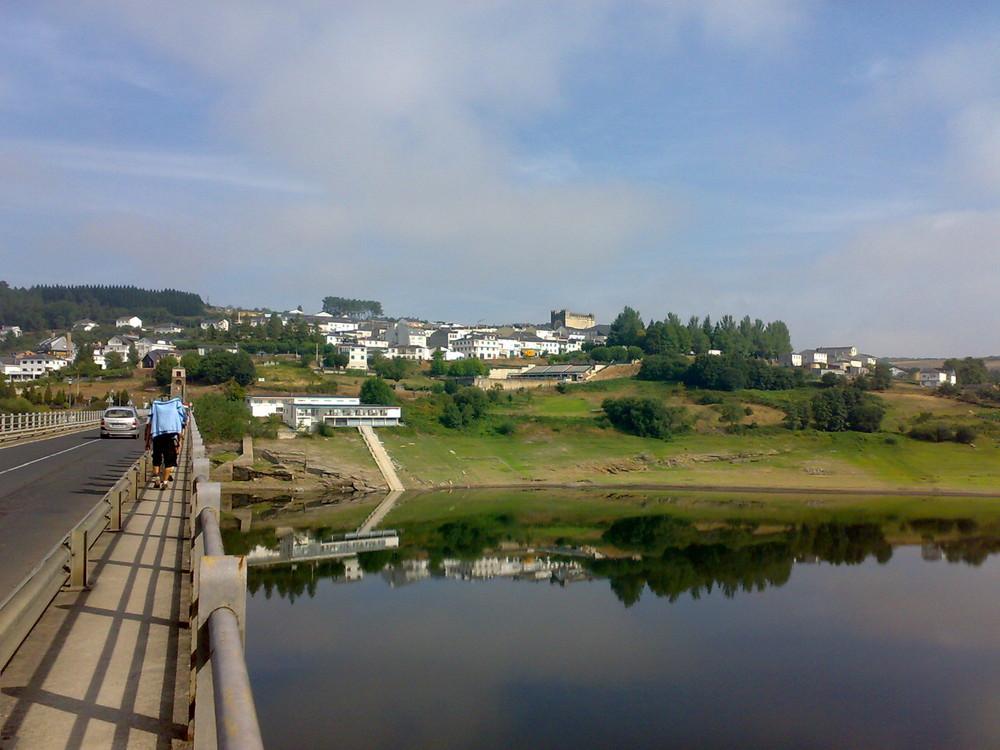 Puente sobre el Rio Miño