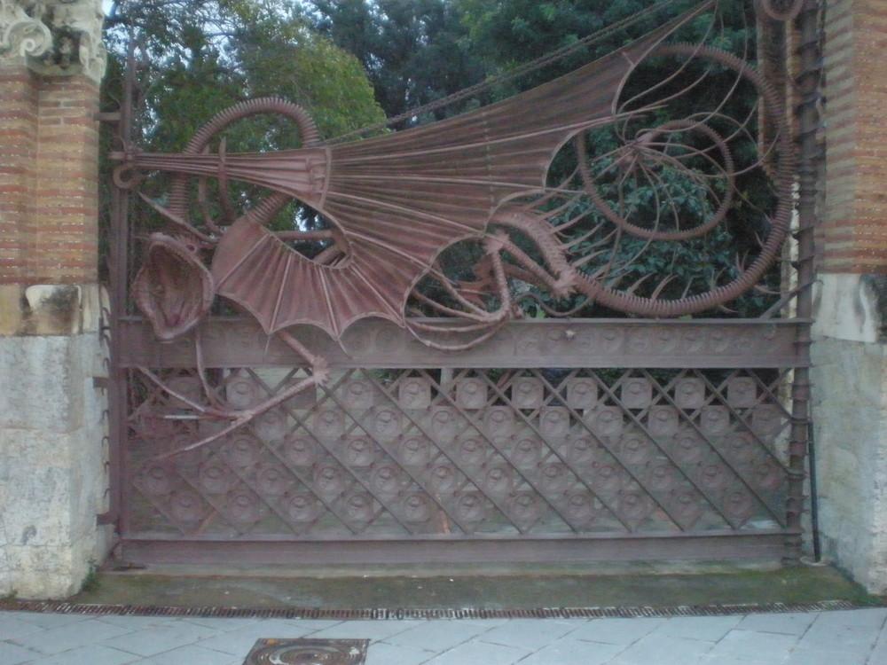 Puerta de hierro forjado imagen foto arquitectura - Colgadores de hierro forjado ...