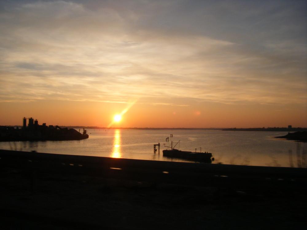 puesta de sol en Plymouth en englaterra