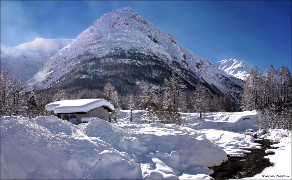 """ Pyramide Alpine """