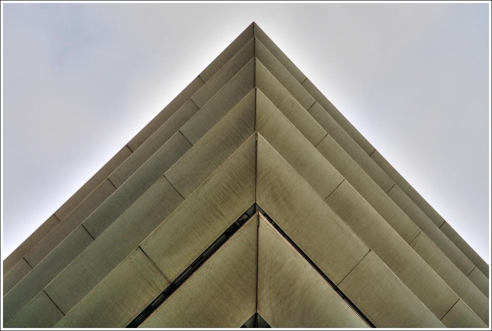 ^Pyramide^