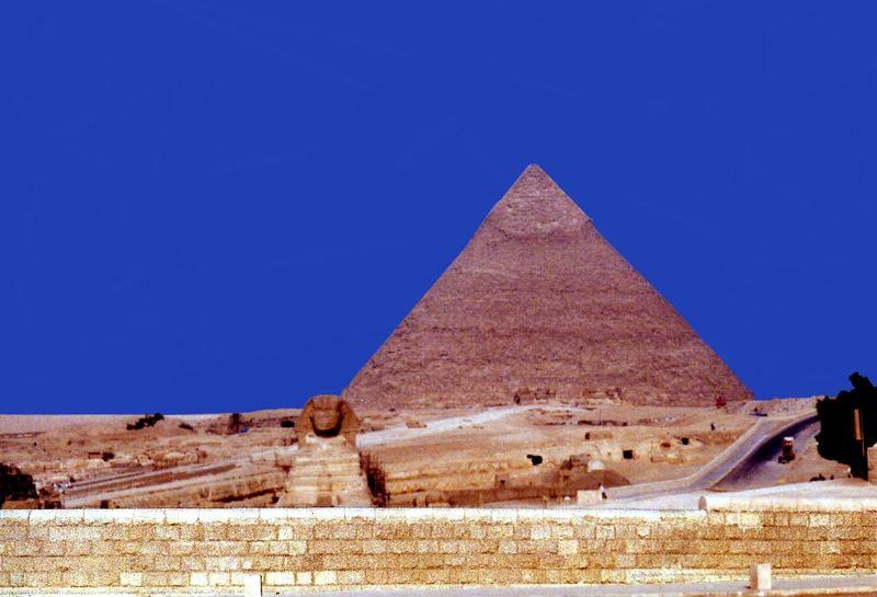 Pyramide und Sphinx in Gizeh