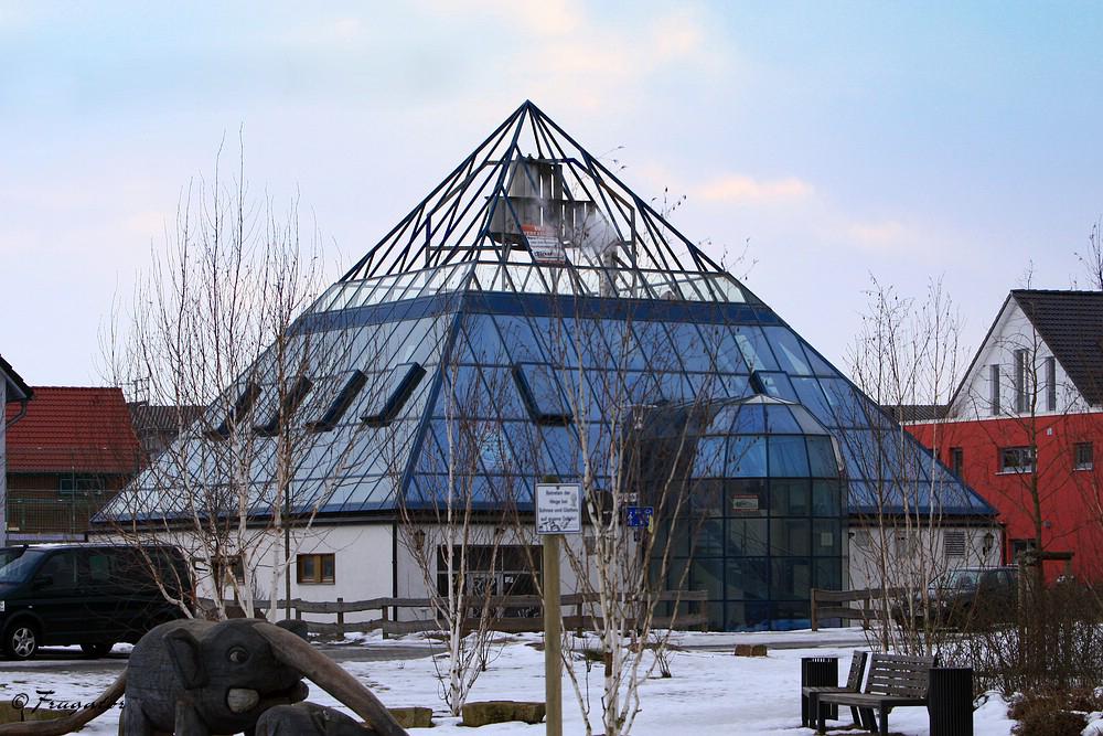 """""""Pyramiden der Moderne""""..."""