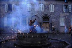 Pyromanengruppe in Aurilliac