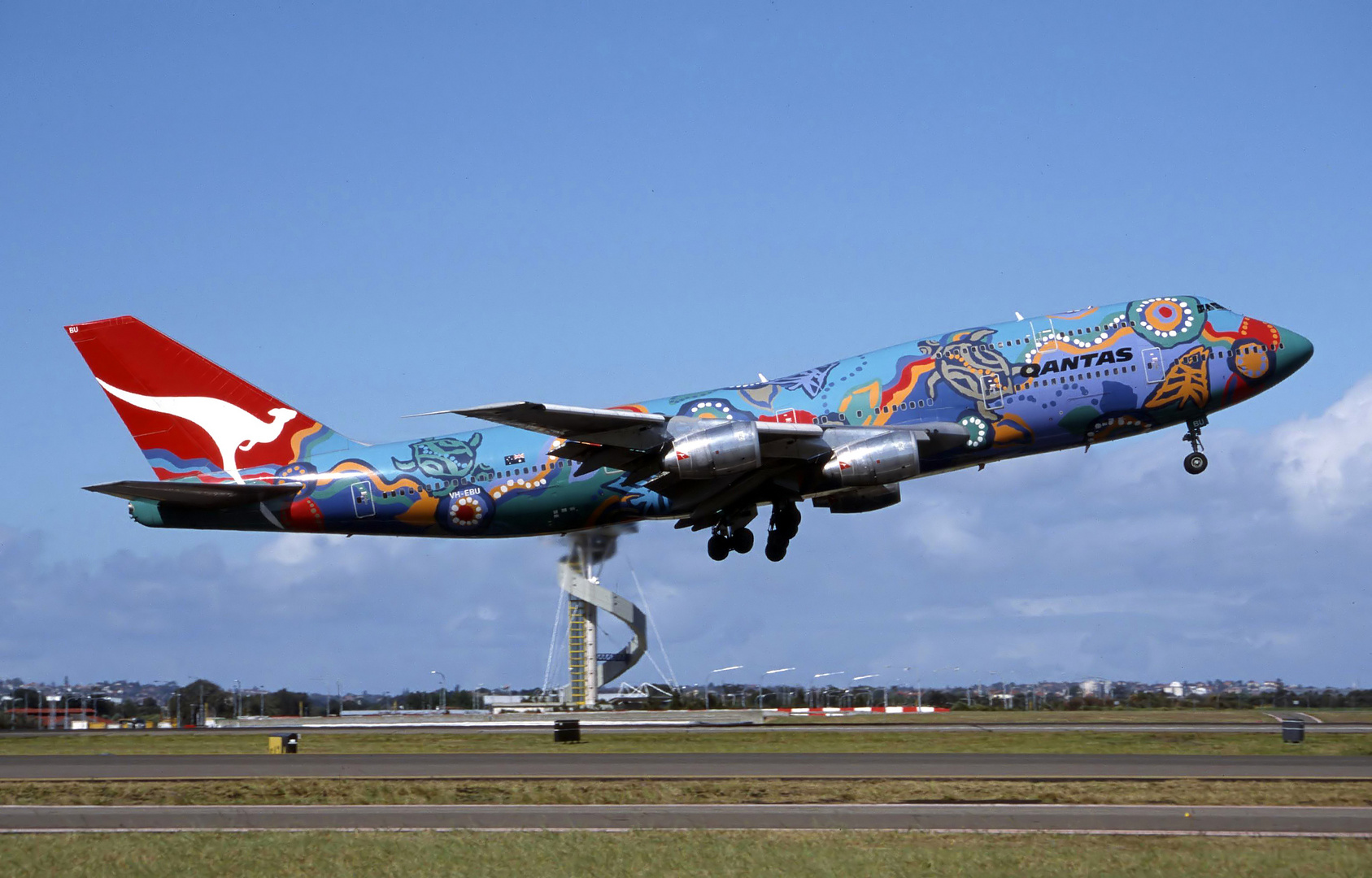 "Qantas Boeing 747-300 ""Nalanji Dreaming"" Sydney Australia Oktober 2001"