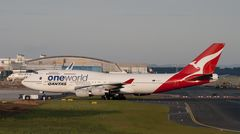 Qantas Boeing 747-438
