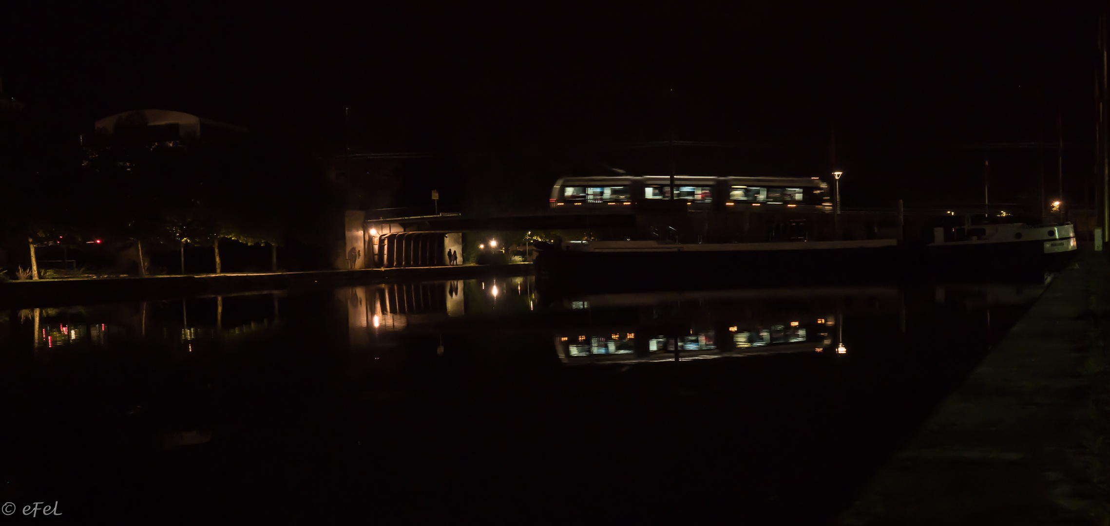 Quand le tram passe de nuit