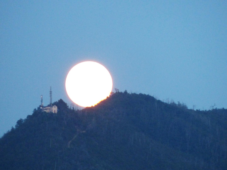 quando si alza la luna piena
