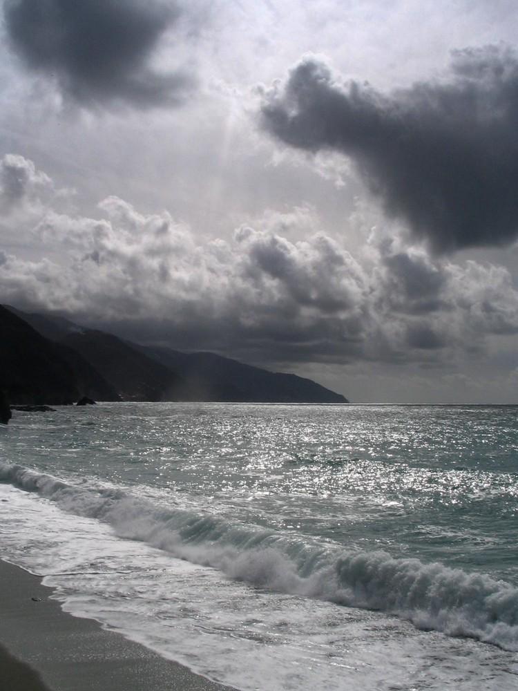 Quasi un bianco e nero foto immagini paesaggi mare for Disegni bianco e nero paesaggi