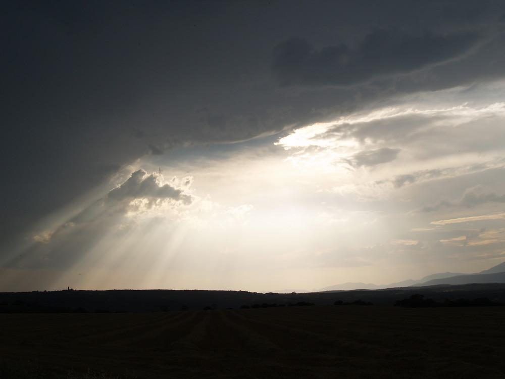 ¡que viene la tormenta!