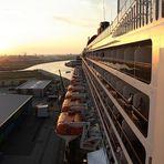 Queen am Cruise-Center