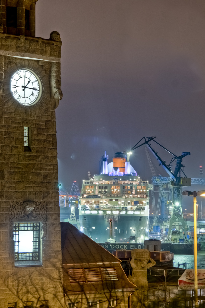 Queen Mary 2 HDR