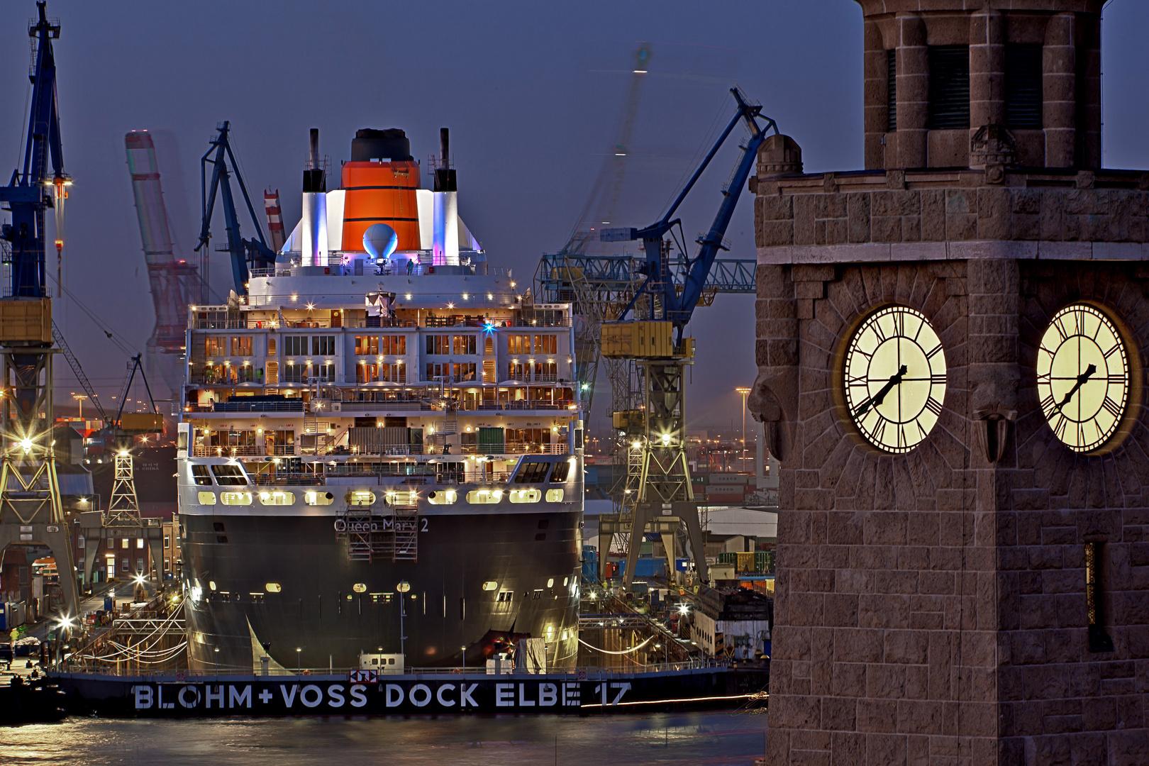 Queen Mary 2 im Trockendock
