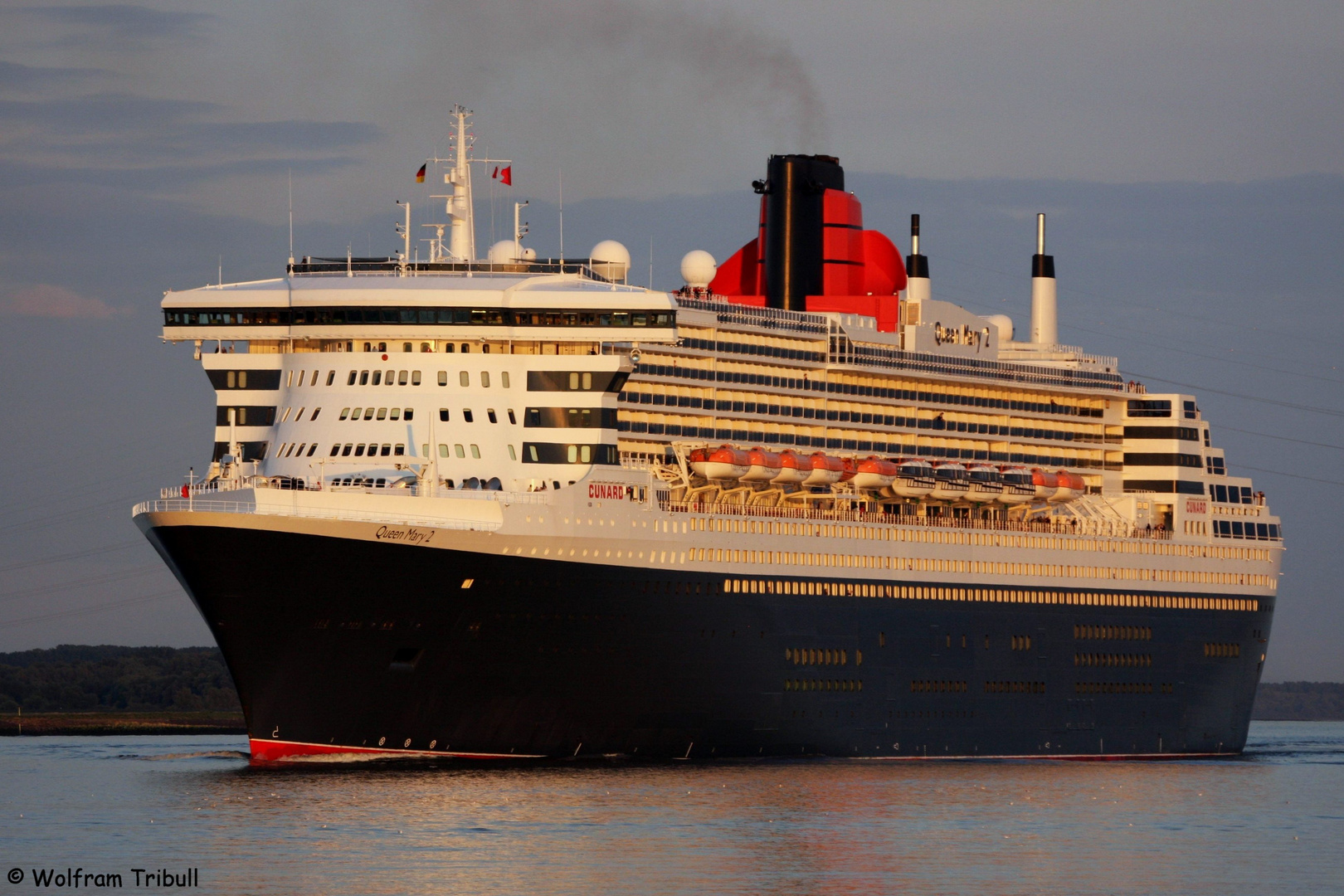 Queen Mary 2 (IMO 9241061)