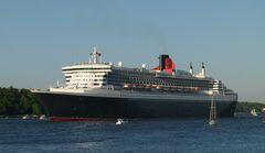 Queen Mary II Ausfahrt Hafengeburtstag 2011