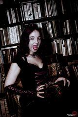 Queen of Darkness - Evil