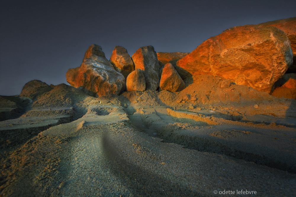 Quelques rochers au soleil couchant