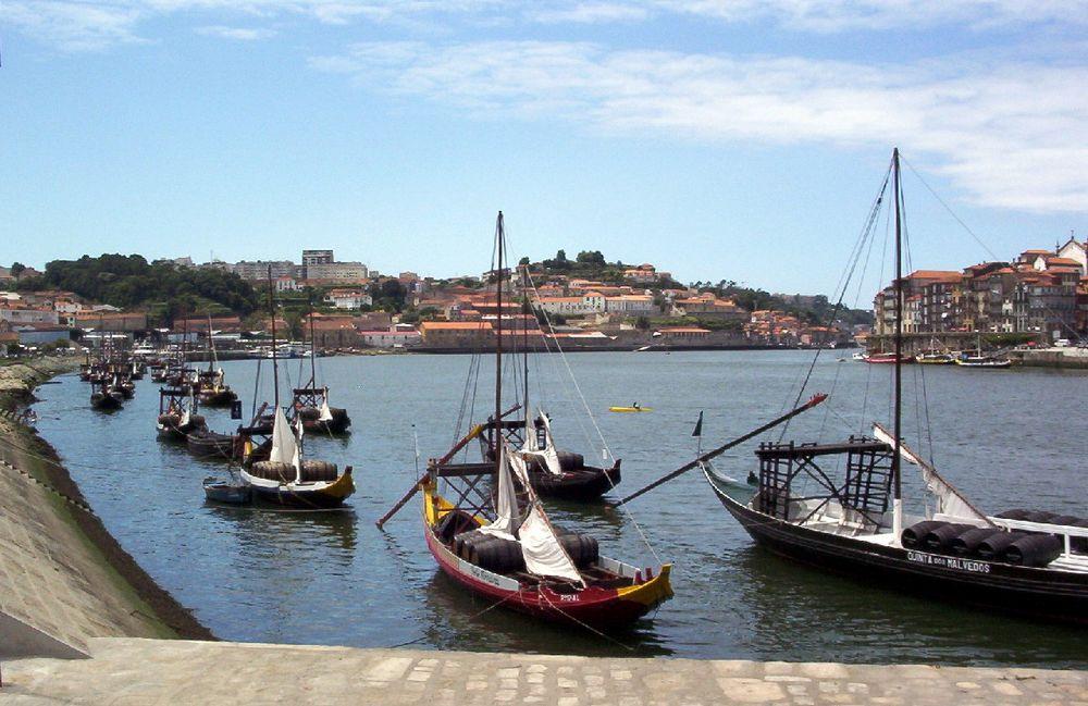 Rabelos sur le Douro, à Gaia, Portugal, (2003)