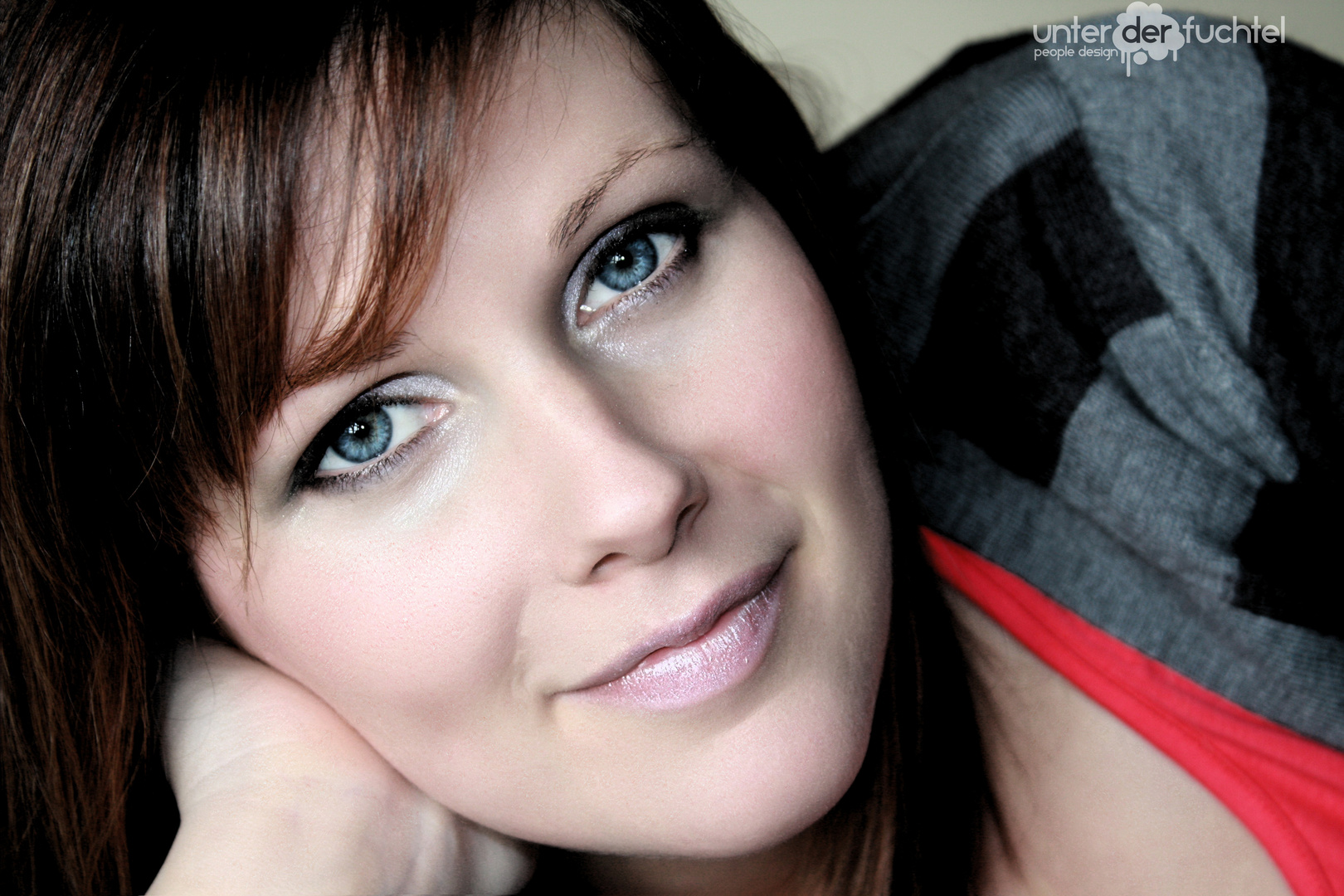 Rachels blue eyes...