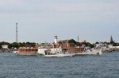 "Raddampfer ""Freya"" zur Hanse Sail 2013 in Rostock"