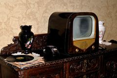 RADIO / TV