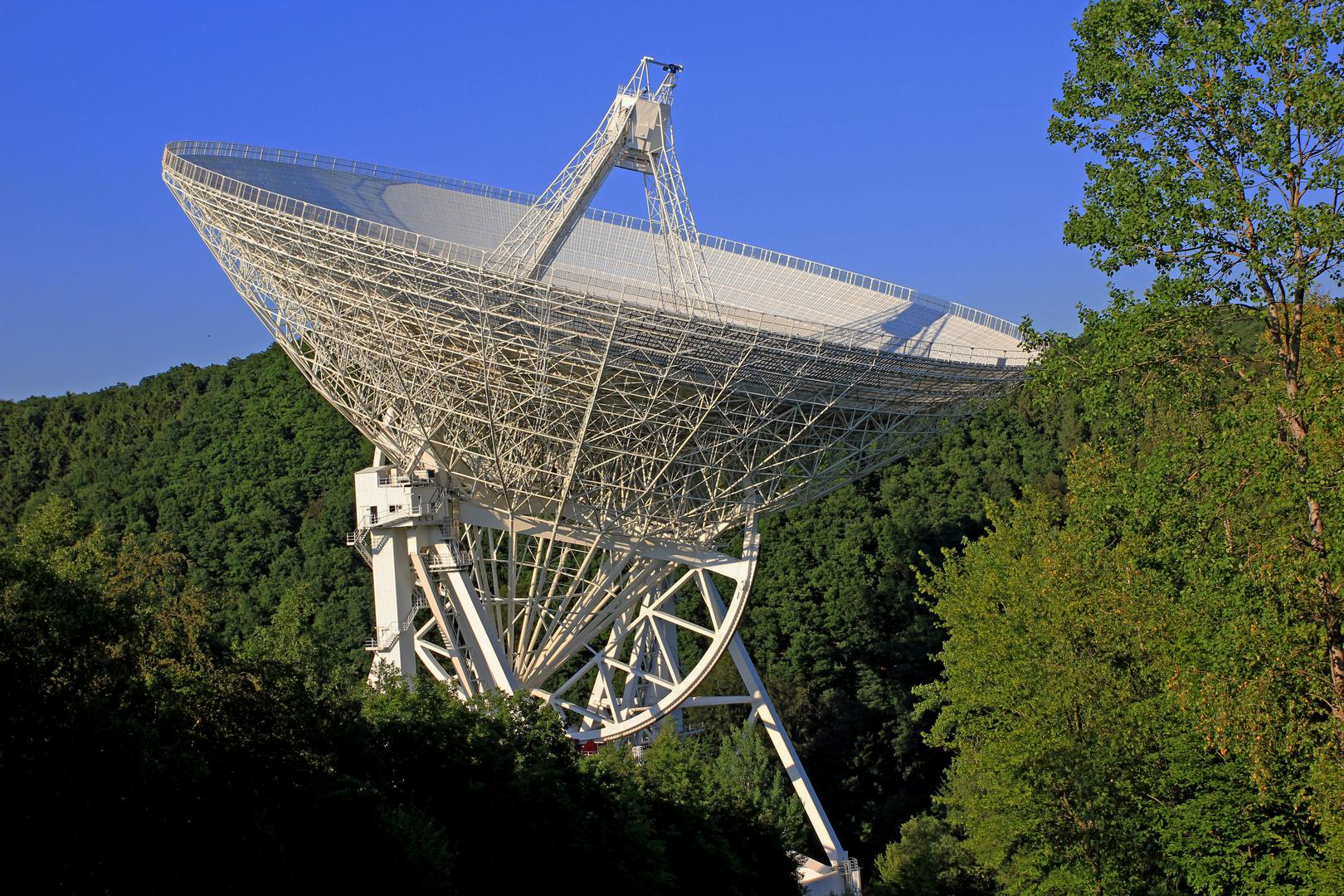 Radioteleskop Effelsberg (100 Meter Durchmesser) 14