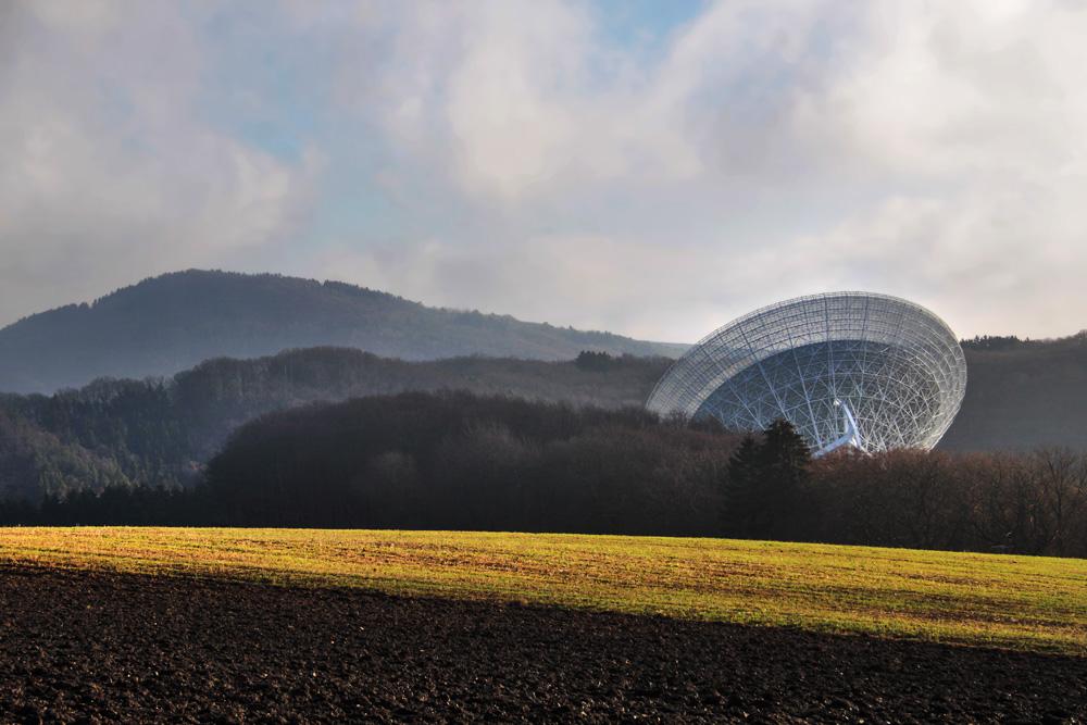 Radioteleskop von weitem