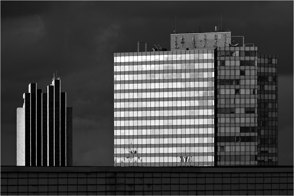 Radisson SAS und Unilever-Hochhaus oder Emporio-Tower