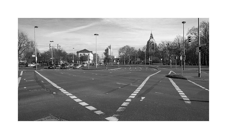 Radwege - Friederikenplatz oder Straßenmalerei