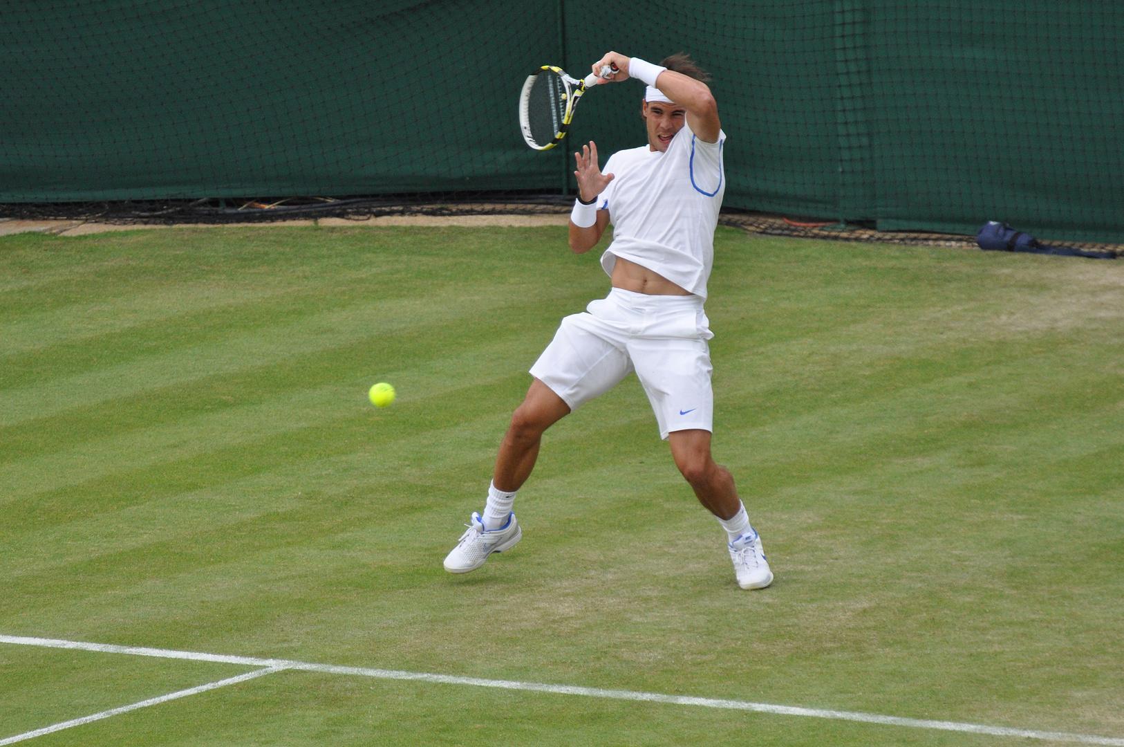 Rafael Nadal in typischer Haltung