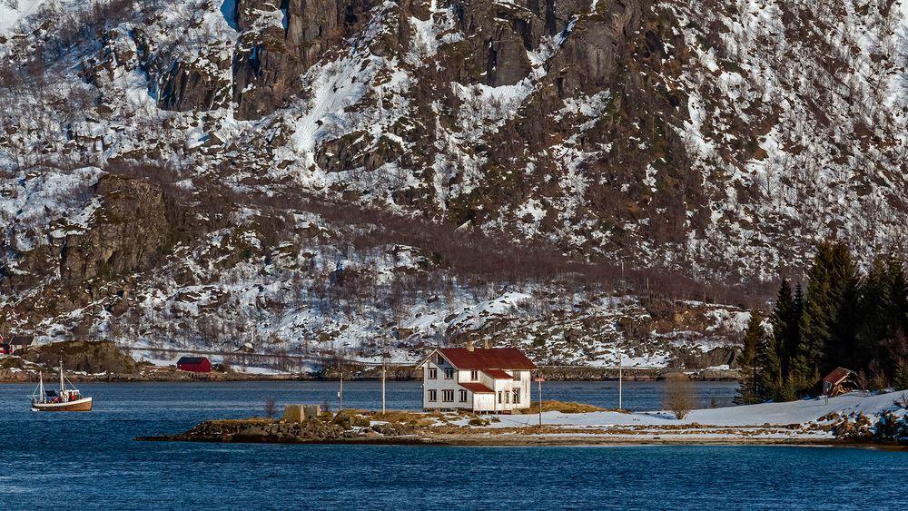 RAFTSUND - MY HOME IS MY ISLAND
