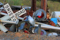 Railroad Crossing Signale ausgedient, Yard der ACWR, Star, NC, USA
