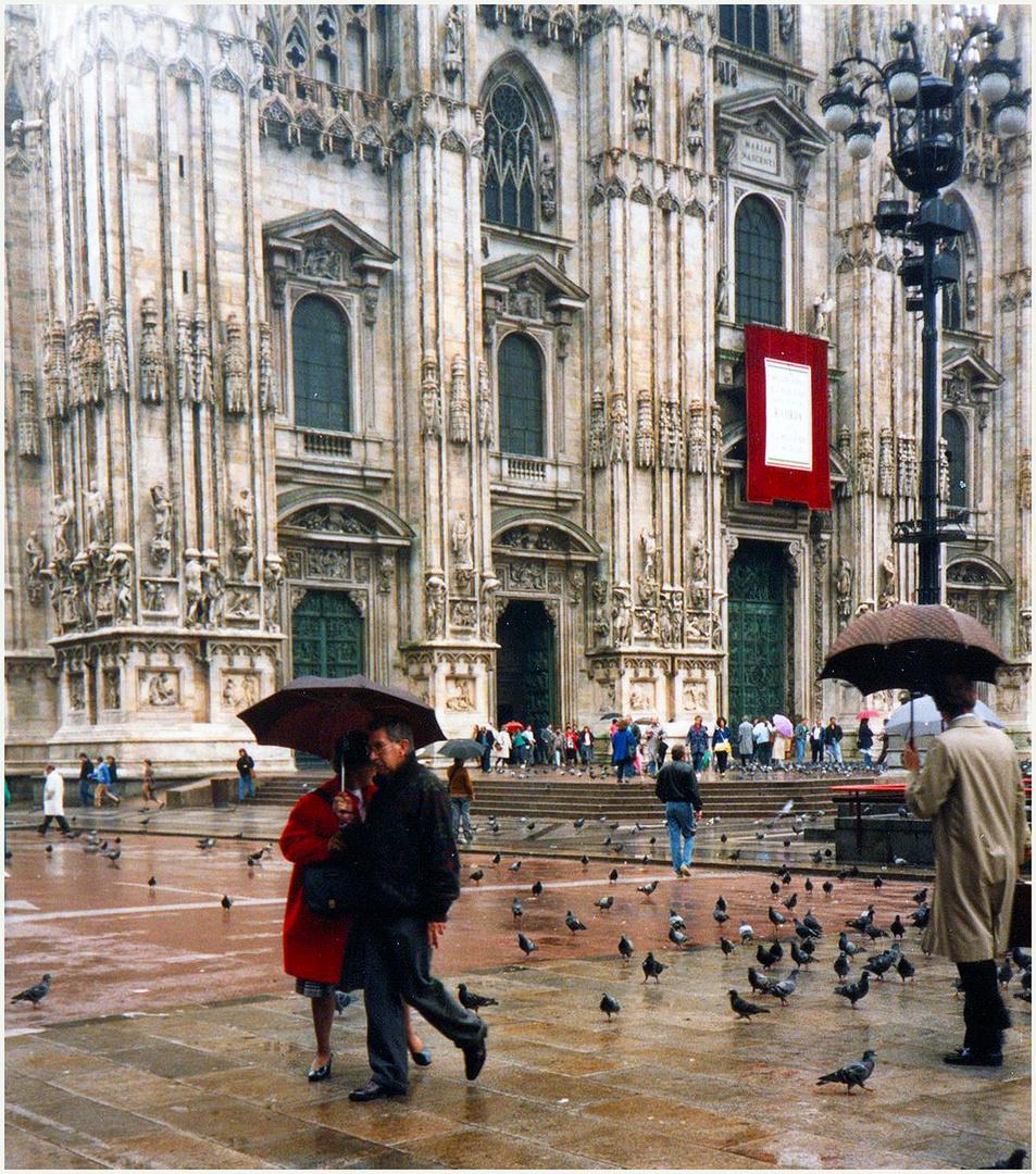 RAINY DAY IN MILAN