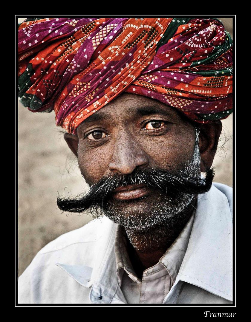 Rajastaní de largos bigotes