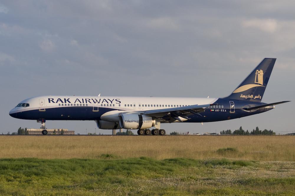 RAK Airways - Boeing 757-256