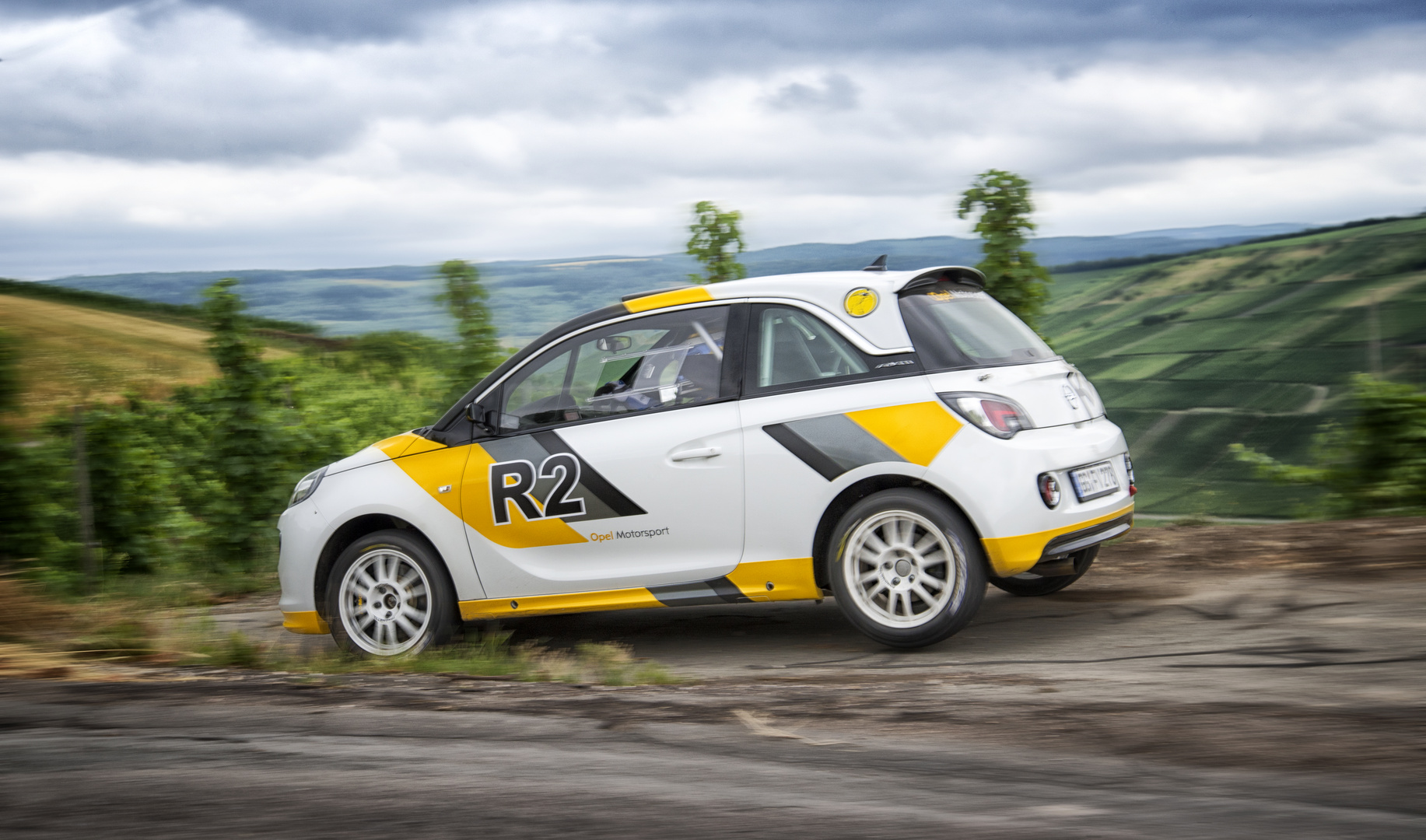 Rallye Opel Adam abgehoben...