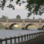 Rameur  et pont vieux