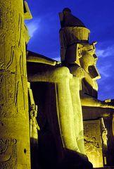 Ramses ... bei Nacht