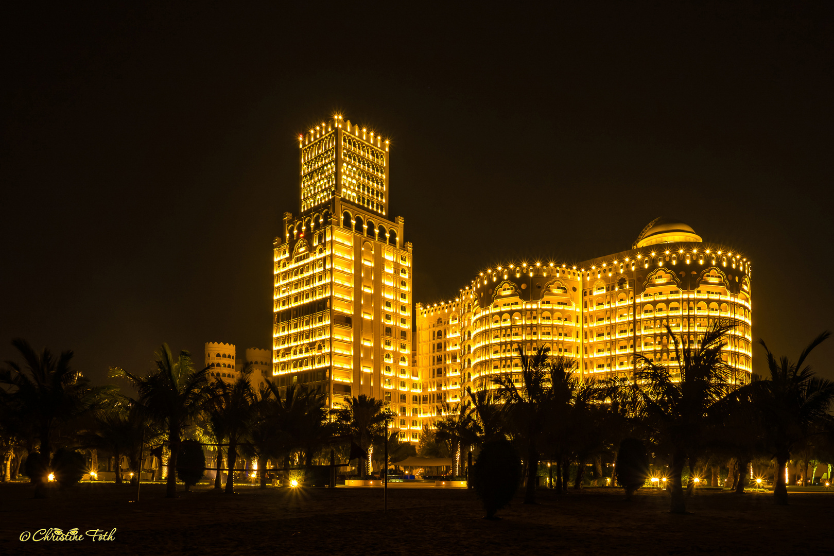 Ras Al Khaimar - Hotel Waldorf Astoria am Abend