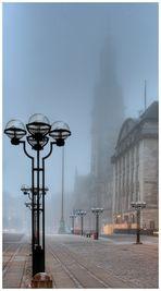 Rathaus im Nebel 3