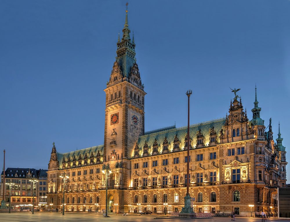 Rathaus lateral