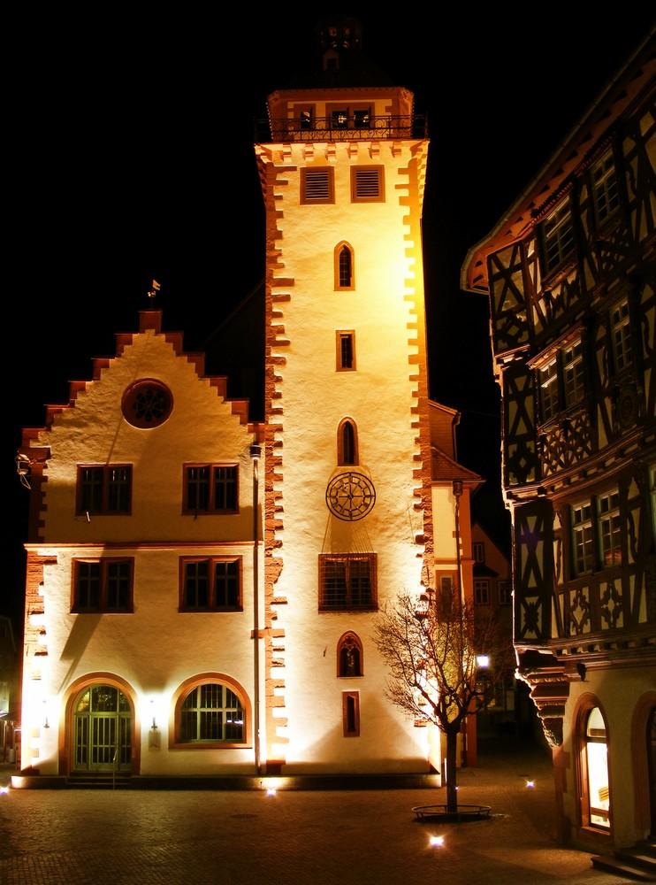 Rathaus Mosbach bei Nacht