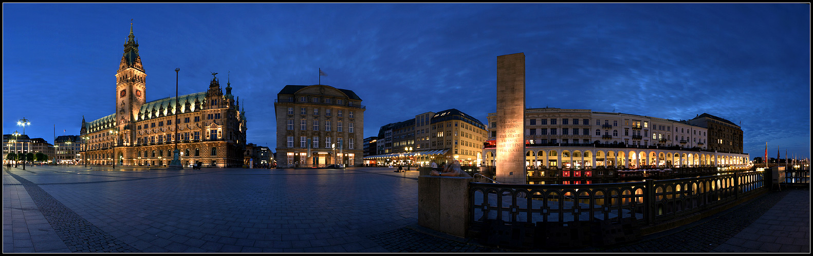 Rathaus-Pano Reload